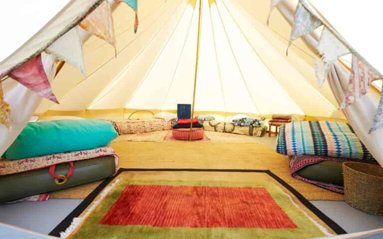 Glamping_ Connecting with Nature Luxuriously (1)-min